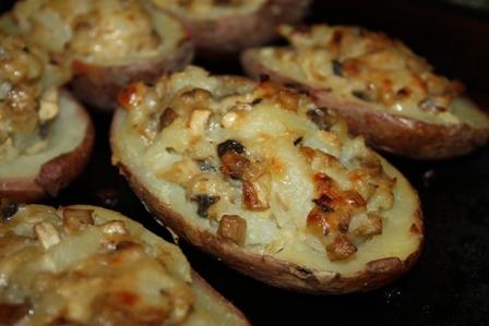 Фаршированная картошка с грибами в духовке фото