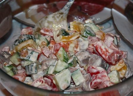 Iсалат с языком и овощами